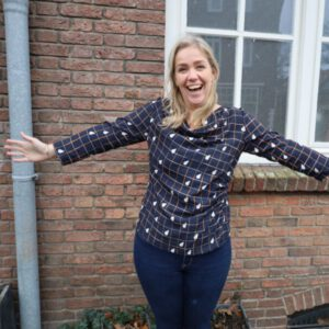 sew along blouse met watervalhals